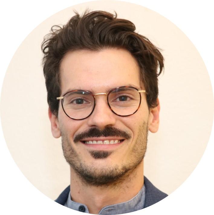 Vertriebs- und Projektmanager von Axicus.